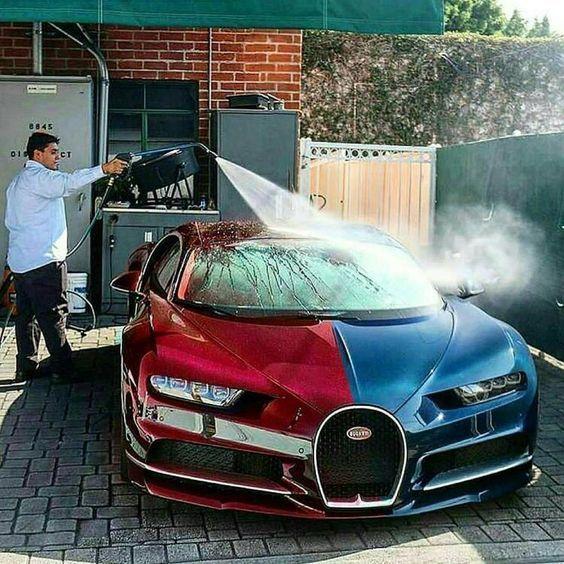 Beautiful Bugatti Chiron Half Red And Blue Bugattichironred