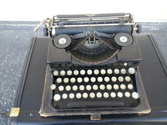 Antique Royal Portable Typewriter Model P Glass Key Art Deco Prop w/ Case 1930s