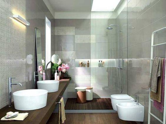 Bagno disposizione sanitari e doccia
