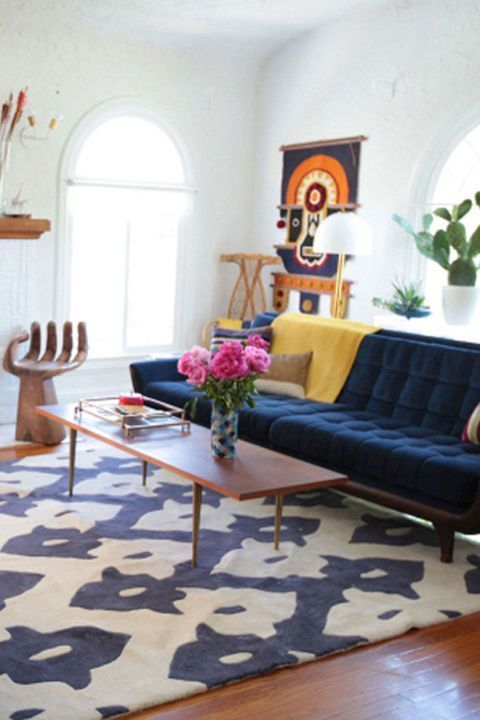 According To Hgtv Host And Designer Emily Henderson We Tend To Buy Too Small Rugs Partially Because They Emily Henderson Living Room Living Decor Interior