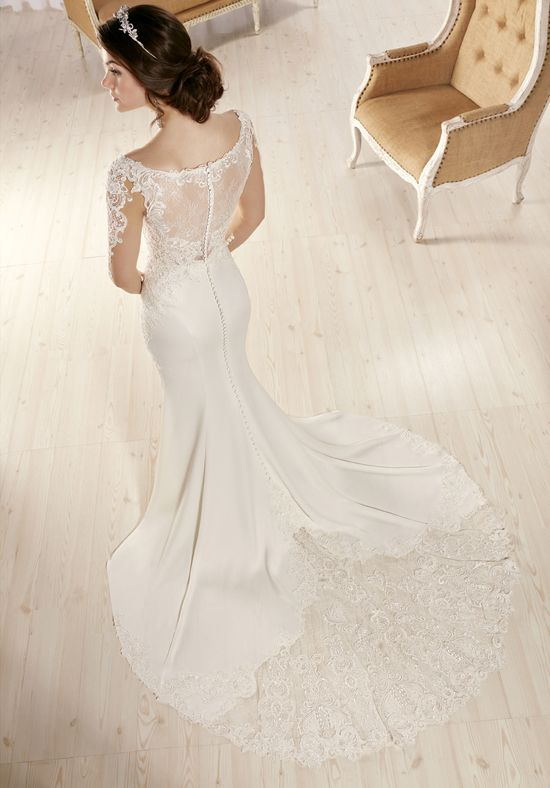 Essense of Australia D2124 Sheath Wedding Dress