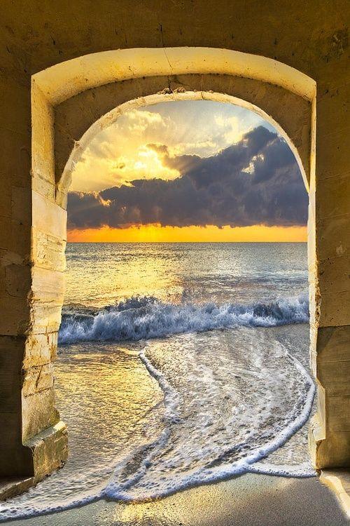 Perspective in Deerfield Florida: Ocean view.