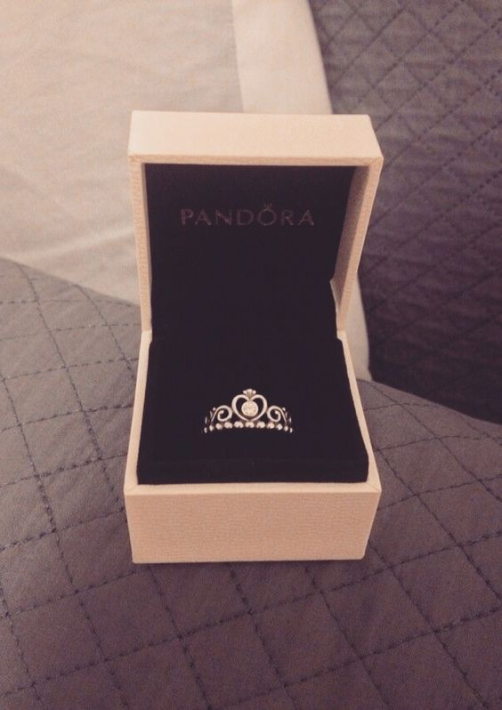 I rlly love these Pandora princess rings  I need this in my life! :-)