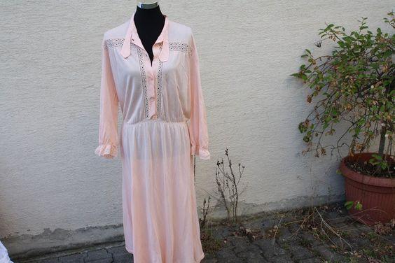 Vintage Bademode & Wäsche - Vintage Nachthemd Nachtwäsche Apricot Spitze cos - ein Designerstück von trixies-zauberhafte-Welten bei DaWanda