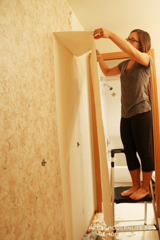 Remove Wallpaper In 2 Easy Steps Without Chemicals And Find Out How To Prep For Paint Removable Wallpaper Removing Old Wallpaper Painting Over Wallpaper