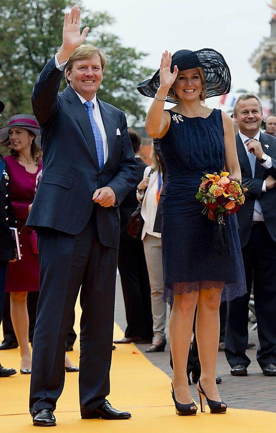 Guillermo Alejandro y Máxima, reyes de los Países Bajos, y sus hijas - Página 4
