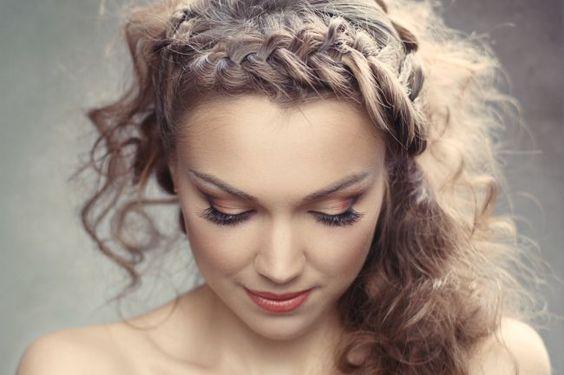 Idées coiffures 2015 : pour des mariées bohèmes et décontractées mais glamour à souhait Image: 8
