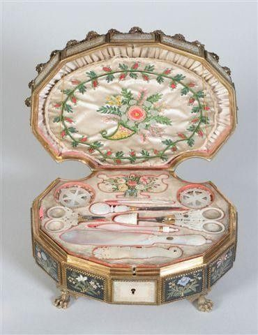 French sewing box: