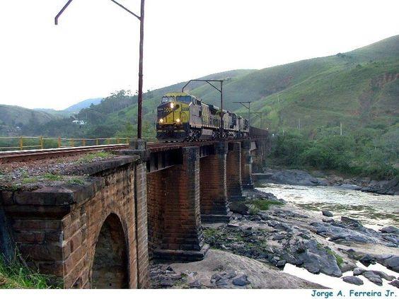 Ponte do Paraíso sobre o rio Paraíba do Sul