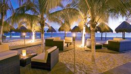 Moline, IL (MLI-Quad City Intl.) to Cancun Vacation Package Deals | Expedia