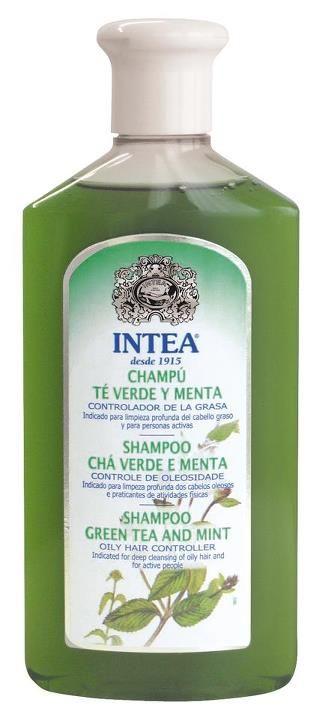 El Champú Té Verde y Menta, controla el exceso de grasa capilar.