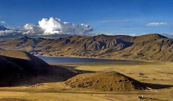 Lake Titicaca, Peru, the largest lake in South America | Traveldudes.org