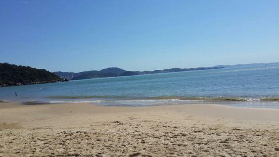 Praia Laranjeiras  Camboriu em agosto!!!