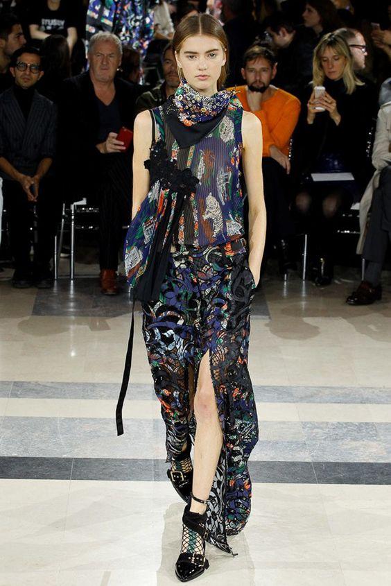 Sacai Spring 2016 Ready-to-Wear Fashion Show