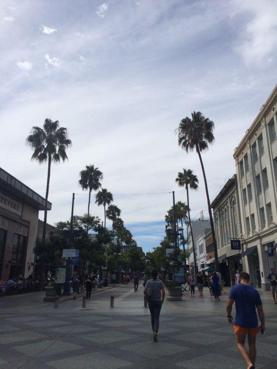 3rd Street Promenade - Santa Monica