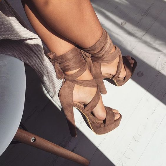 \\ Pinterest: @XperriediseX // need these shoes