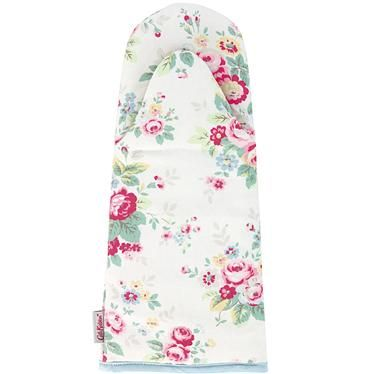 Our Trailing Floral oven gauntlet is as practical as it is pretty; it will keep you fully protected against heat and the feminine print will add a floral touch to your kitchen. Matching apron also available if you like to keep your cooking coordinated!