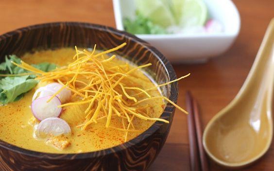 """Chiang Mai """"Khao Soi"""" Noodles // Chiang Mai Nudeln - eins meiner liebsten Thai-Gerichte!"""