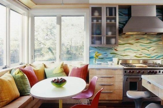 Dekoideen küche rückwand paneel bunt moderne farbgebung sitzecke