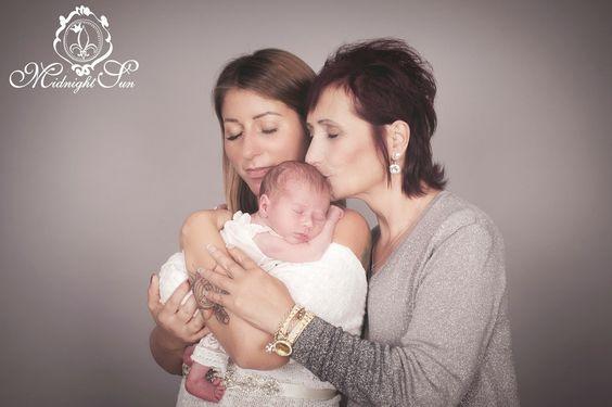 #starkefrauen #babygirl #frauen #muttertochter #babyglück #mutterglück #newborn #newborns #baby #babies #newbornpictures #newbornphotos #babyphotography #babyphotographer #babyprops #handmade #newbornprops #photographyprops #babyboy #babygirl #momlife   #babyshower #babylove #Vienna #viennaphotographer #babyfotoswien #neugeborenenfotoswien #3generationen #3generations #oma #grandma