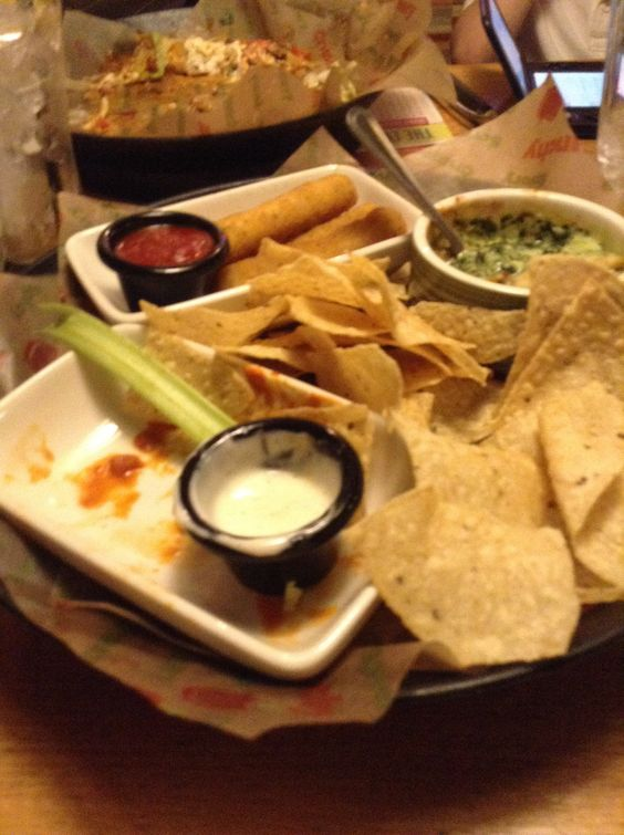 Applebee's 3 appetizer meal (spinach artichoke dip, boneless mild buffalo wings with ranch, and mozzarella sticks is what I got) is so good!
