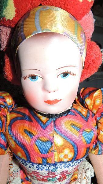 Alte Puppen zu verkaufen-Trachtenpuppe -groß