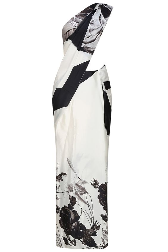 Flamingo by Shubhani Talwar presents Off white and black floral printed saree and blouse set available only at Pernia's Pop Up Shop.