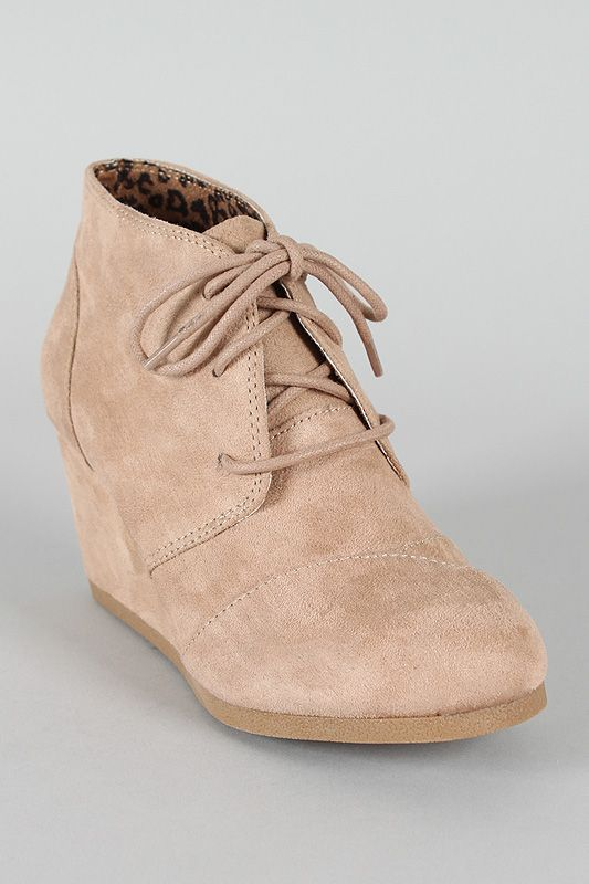 City Classified Rex-S Lace Up Wedge Bootie