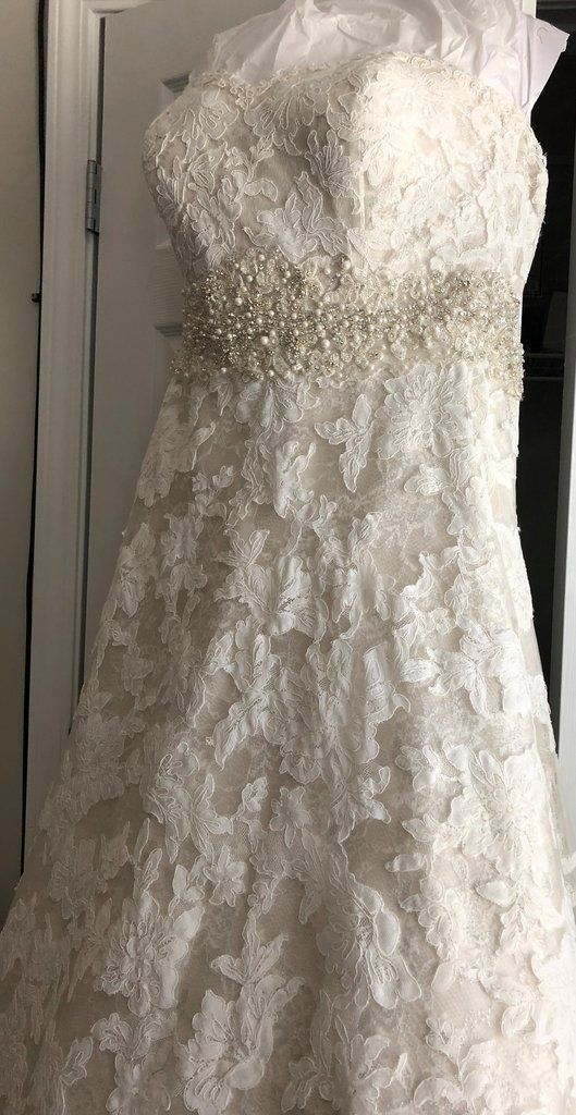 Justin Alexander 9700 Size 20 Used Wedding Dress Front View On