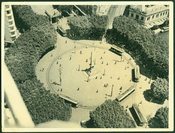 """Em comemoração ao aniversário de 116 anos de Belo Horizonte, a Praça Sete de Setembro recebe, no dia 12 de dezembro, a exposição """"Praça Sete: a Trama do Centro e o Centro da Trama"""" e a intervenção urbana """"Estação Tropical"""". As atrações acontecem das 12h às 14h. A entrada é Catraca Livre."""