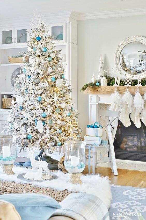 28 Enticing Beach Style Christmas Decoration Ideas Beach Style