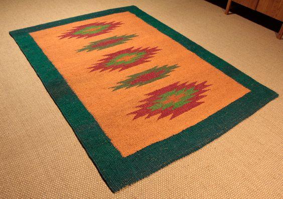 Original alfombra de fibra de coco con dise o tnico o for Modelos de alfombras
