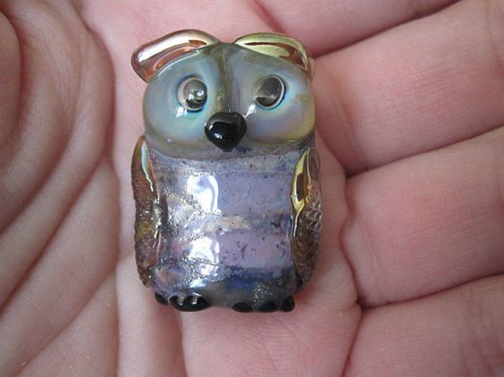 Hey, I found this really awesome Etsy listing at https://www.etsy.com/listing/231857429/destash-artisan-lampwork-owl-bead-by