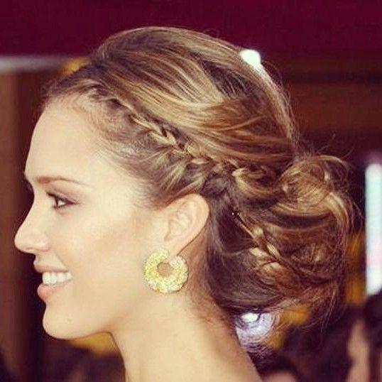 Idée coiffure  Chignon pour mariage, soirée ou cérémonie sur cheveux longs. Hairstyle idea