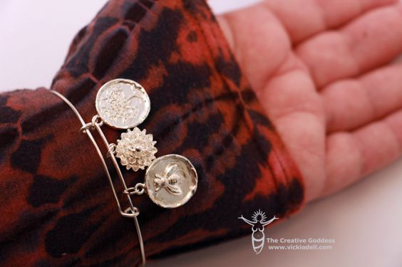 Expandable Bracelet with Artistic Wire - Nunn Design Charms