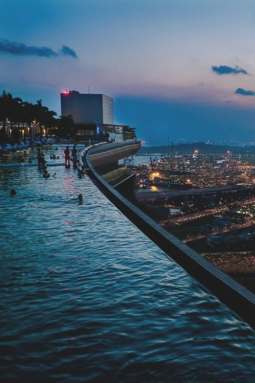 Marina Bay Sands SkyPark Infinity Pool | JE