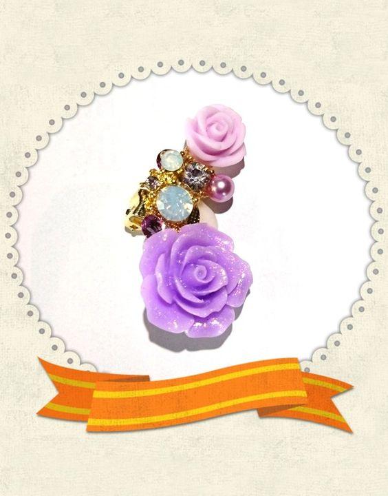 オーロラに輝くパープルの薔薇、スワロフスキーライトアメジスト、ホワイトオパール、crystalクリア、パープルの小さな薔薇、パープルパール、座金はゴールド使用...|ハンドメイド、手作り、手仕事品の通販・販売・購入ならCreema。