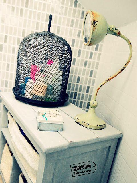 Armario de baño vintage decapado gris y blanco, vintage cabinet bathroom stripping grey and white HMMD handmademaniadecor