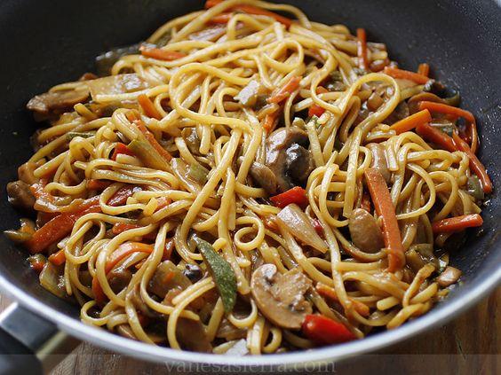 Tallarines con verduras, receta china   Vanesa Sierra, Recetas paso a paso