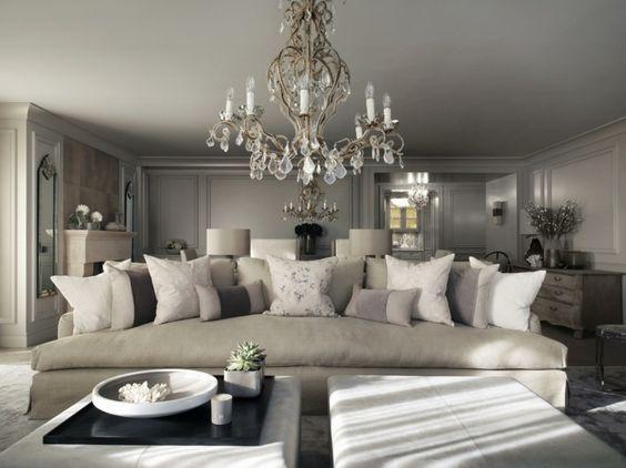 photo salon moderne chic-gris, blanc et lustre