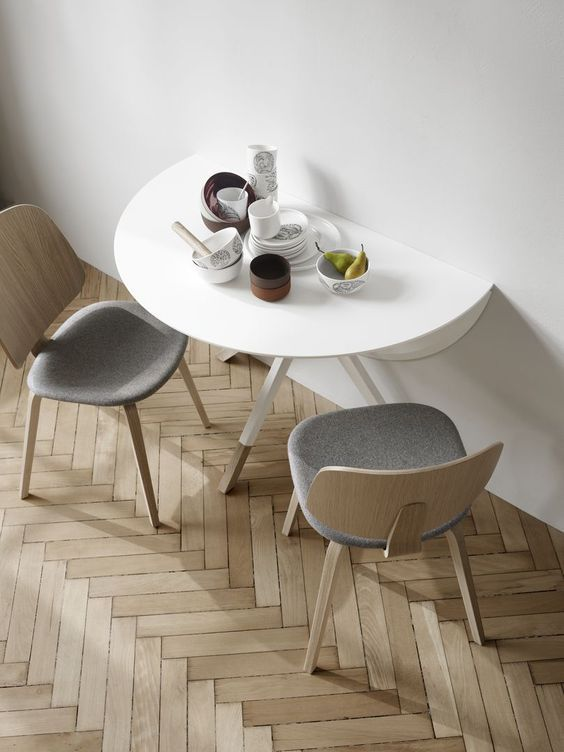 Extendable Dining Tables Billund, Round Dining Table Small