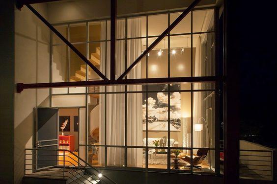 Diseño de Interiores & Arquitectura: Residencia de Tres Pisos Cuidadosamente Detallada en Seaside, Florida