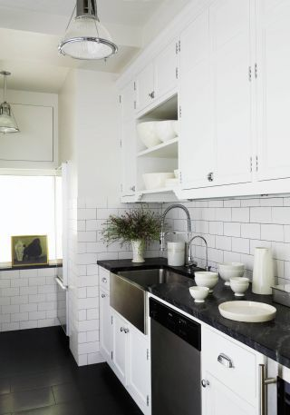 Contemporary Kitchen In New York New York Architecture Design