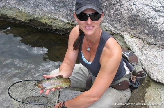 Women fishing google search justfishin 39 pinterest for Women who fish