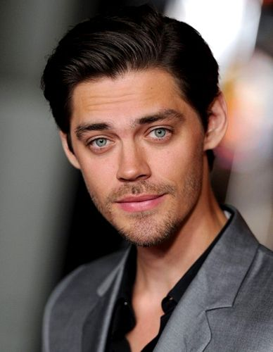 Tom Payne will be Jesus in The Walking Dead.