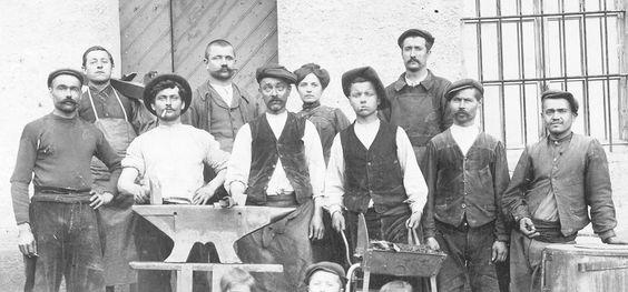 1901 - Première usine