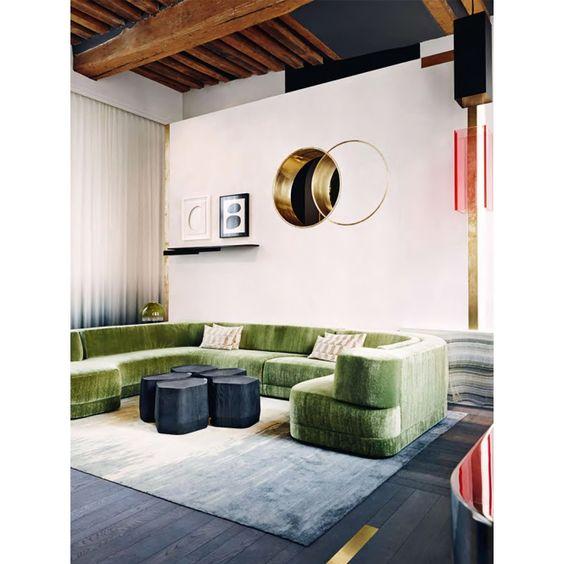 Ambiente com sofá de veludo no Arkpad - Arkpad