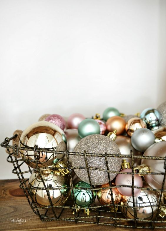 Country Living Christmas Home Tour. Simple, rustic, farmhouse Christmas home tour.