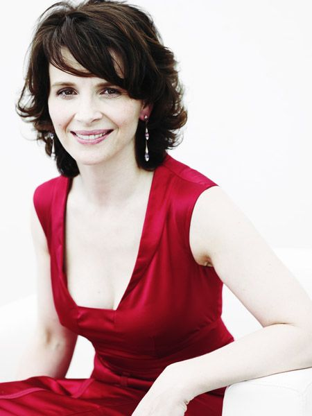 Juliette Binoche. She always looks incredible. Love her hair, dress, make-up…