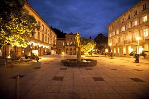 Mokni's Palais Hotel & SPA Bad Wildbad This 4-star-superior hotel is set in the scenic Black Forest, in the heart of Bad Wildbad. It offers a luxury spa with thermal springs, a large indoor pool and a terrace with sauna.